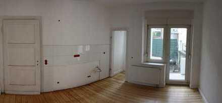 Erstbezug nach Sanierung: charmante 2,5-Zimmer-Altbauwohnung mit Balkon nahe Phönixsee