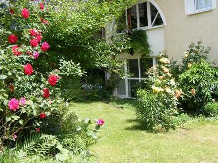 Handschuhsheim, idyllisch im Barockhof gelegenes 2 Zi.-Appartement