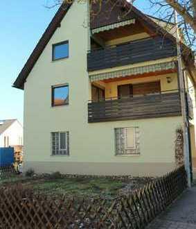 Schönes top gepflegtes 2 Fam Haus mit Einbauküche, 2x Balkon sowie Garten in 71116 Rohrau