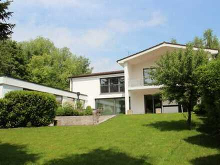 Sonniges Einfamilienhaus in begehrter Lage in Berg am Starnberger See (Sunny single-family house)