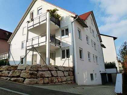 Traumhafte 3,5-Zi-Maisonette Wohnung mit Balkon und TG Stellplätze