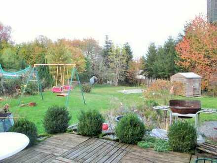 Traumhaftes, Zweifamilienhaus mit Photovoltaik Anlage, Zisterne und großem Garten in Toplage