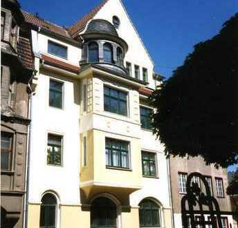 Preiswerte, vollständig renovierte 5-Zimmer-DG-Wohnung mit Balkon in Plauen