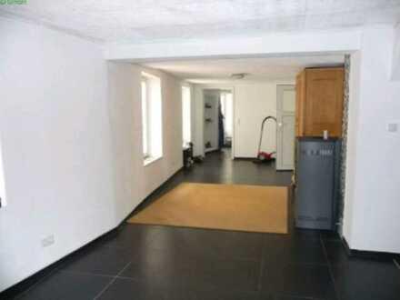 Günstige, vollständig renovierte 3,5-Zimmer-Wohnung mit EBK in Rockenhausen