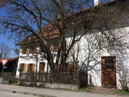 1-Zimmer-Erdgeschosswohnung mit eigenem Eingang in denkmalgeschützem Bauernhaus in Wörthsee