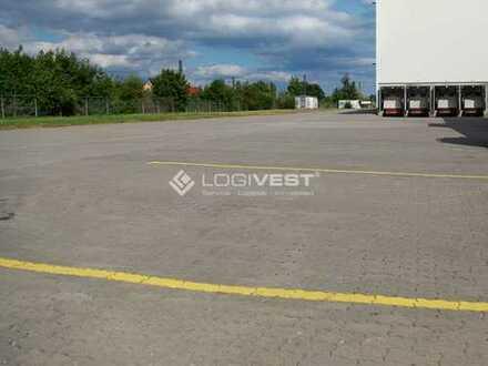 Lagerhalle mit ca. 3.700 m² Freifläche nahe der A9