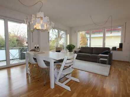 Aubing - tolle 3 Zimmer Whg. mit Parkett, großem Balkon, Gäste-WC, TG, - TOP-Lage Baujahr 2012
