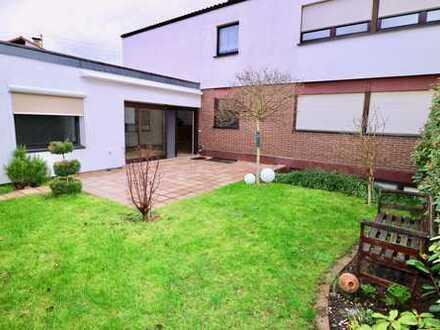 Mehrfamilienhaus (2 Wohnungen und 3 Apartments) in bevorzugter Lage von Ludwigshafen-Edigheim