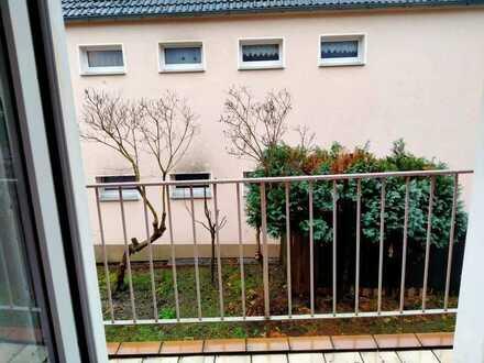 2 Zimmer in einer 4-Zimmer-Wohngemeinschaft