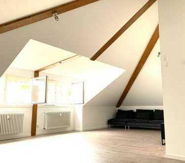 Moderne Lichtdurchflutete 3-Zimmer-Dachgeschosswohnung