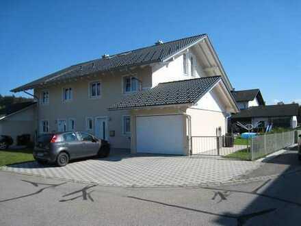 Energieeffiziente Doppelhaushälfte im Chiemgau