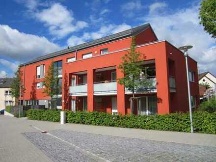 Betreutes Wohnen - Schöne, helle Senioren-Wohnung mit Balkon und EBK in Sachsenheim