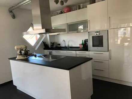 Lichtdurchflutete, moderne 3-Zimmer-Wohnung in Wi-Heidestock