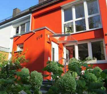 Helles, top-saniertes, einmaliges Reihenmittelhaus mit idyllischem Garten in bester Lage Nürnbergs