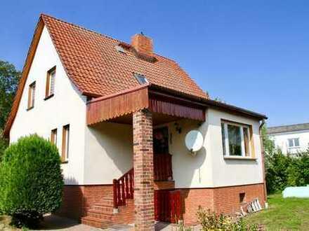 HORN IMMOBILIEN ++ Grambow bei Löcknitz Haus mit großem Grundstück