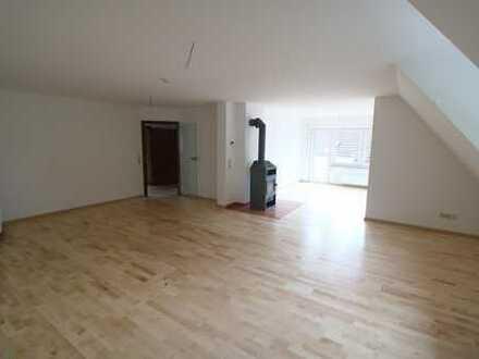 Neuwertige 5-Zimmer-Maisonette-Wohnung mit Balkon in Freiburg