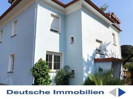 Attraktives Zwei-/ Dreifamilienhaus mit separater Dachwohnung in ruhiger Siedlungslage von Pulsnitz!