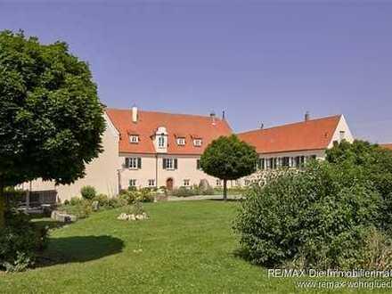 Elegantes, einmaliges Schloss, Johanniterschloss, wohnen und arbeiten in großzügigem, luxuriösem Amb
