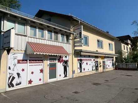 Laden-/Gewerbeflächen mit Potential zur Gastrofläche/Restaurant und Parkplätzen vor dem Haus) in hoc