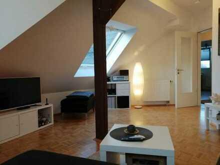 Schöne helle 2-Zimmer-Dachgeschosswohnung in Bonn