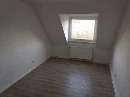 Erstbezug nach Sanierung: stilvolle 2-Zimmer-Wohnung mit EBK in Ludwigshafen am Rhein