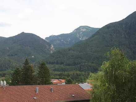 Perfekt geschnittene drei Zimmer Wohnung in Grassau, Bergblick