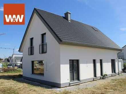 Neues attraktives Einfamilienhaus in sonniger Neubausiedlung
