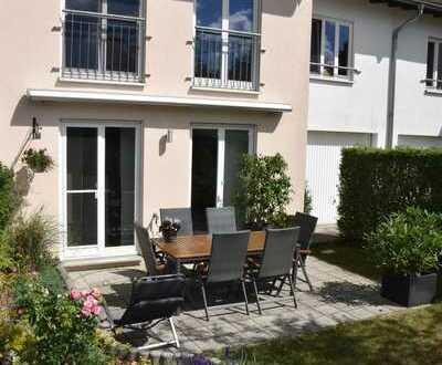 Modernes Stadthaus in grüner Lage, 5+1 Zimmer, Keller , Garage in Lpz.-Wahren