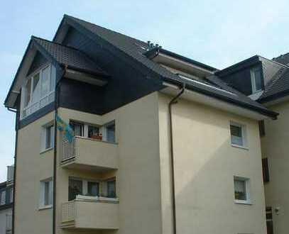 Top-moderne DG-Maisonette-Wohnung mit riesigem Studio und Loggia in der nördlichen Gartenstadt