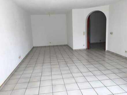 Gut geschnittene 3 Zimmer Wohnung in Worms Hochheim