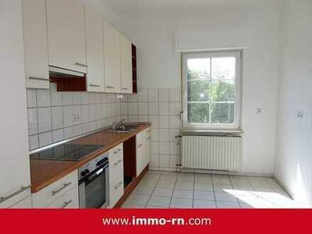*** WOHNEN AM SCHLOSS: Gemütliche 3,5 ZKB Wohnung mit Einbauküche und Gartenanteil ***