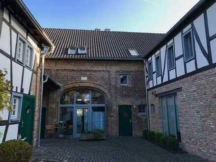 Freundliche Maisonette-Wohnung in einem Denkmalgeschützen Hofanwesen