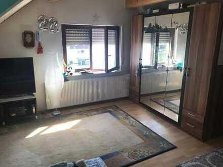 grosses Zimmer ca. 26 m2 in einer 2er WG