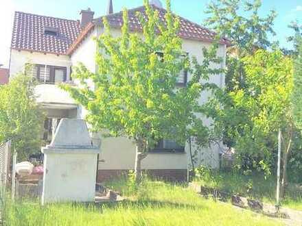 Ein- bis Zweifamilienhaus mit einem schönen Garten im bevorzugtem Ort!