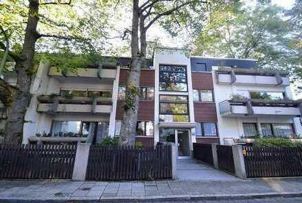 Helle 4-Zimmer-Wohnung mit drei Balkonen zur freien Gestaltung im Herzen von Obermenzing