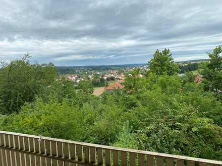 Großzügige 4-Zimmer-Wohnung mit Balkon und wunderschöner Aussicht in Bamberg (Kreis)