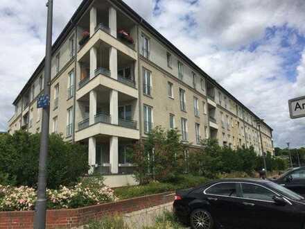 BERLIN. Französisch-Buchholz. Ein IN-Stadtteil mit viel Potenzial / 62,3 m² im 3. OG mit Westbalkon