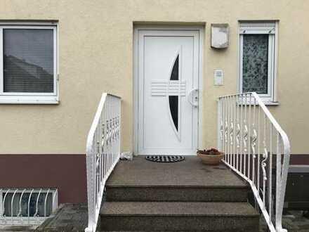 Großes & helles Wohnhaus mit Garten in guter Lage von Rumpenheim