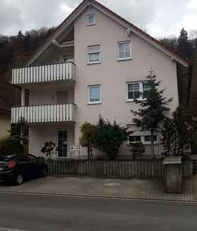Ruhig gelegene 2-Raum Wohnung mit Esszimmer, Terrasse, Garten und Stellplatz