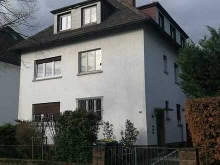 Freundliche, modernisierte 3-Zimmer-Dachgeschosswohnung in Mannheim