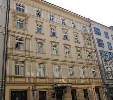 Altstadt / Erstbezug: aufwändig sanierte 4-Zimmer-Wohnung in denkmalgeschütztem Altbau