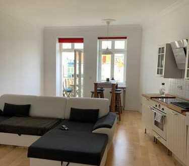 Komplett möblierte 1,5-Zimmer-Wohnung mit Balkon und Einbauküche, Berlin
