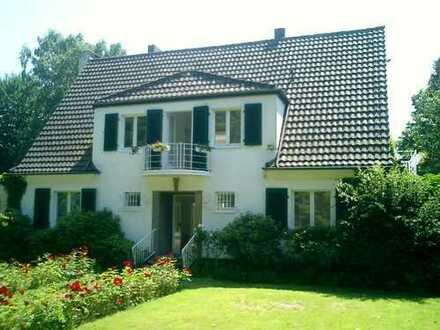 D-Ludenberg: herrschaftliche Villa in Bestlage mit Blick in einen traumhaften Park