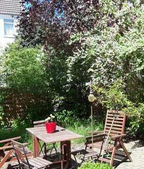 Wohnung mit Garten in schönem Altbau, super zentral, in der schönsten Straße Kölns.