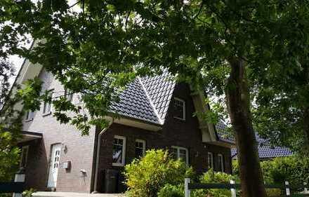Gepflegte 4-Zimmer-Wohnung mit Balkon und Einbauküche in Großenkneten