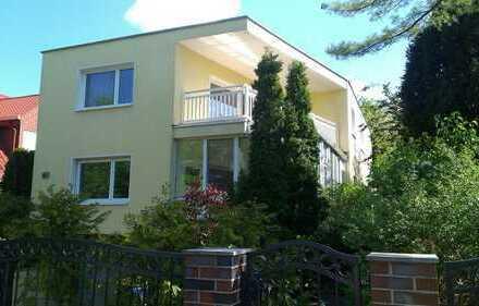 Moderne Vierzimmerwohnung mit Wintergarten, Balkon, Komfort-Einbauküche, Gäste-WC, Sauna etc