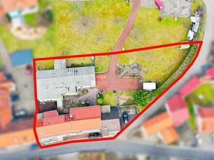 Mehrfamilienwohnhaus mit ehem. Gaststätte, Saal und parkähnlichem Garten sowie großem Potential