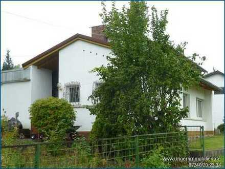 Frei stehendes Einfamilienhaus mit großem Hobbyraum! ***provisionsfrei***