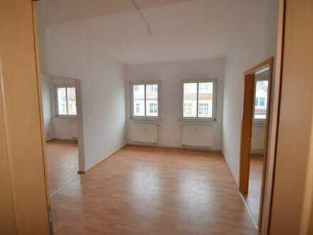günstige Zweieinhalbzimmer-Dachgeschosswohnung