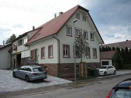 Hamberg, großzügige Doppelhaushälfte mit 6 Zimmern auf drei Ebenen - 2018 kernsaniert